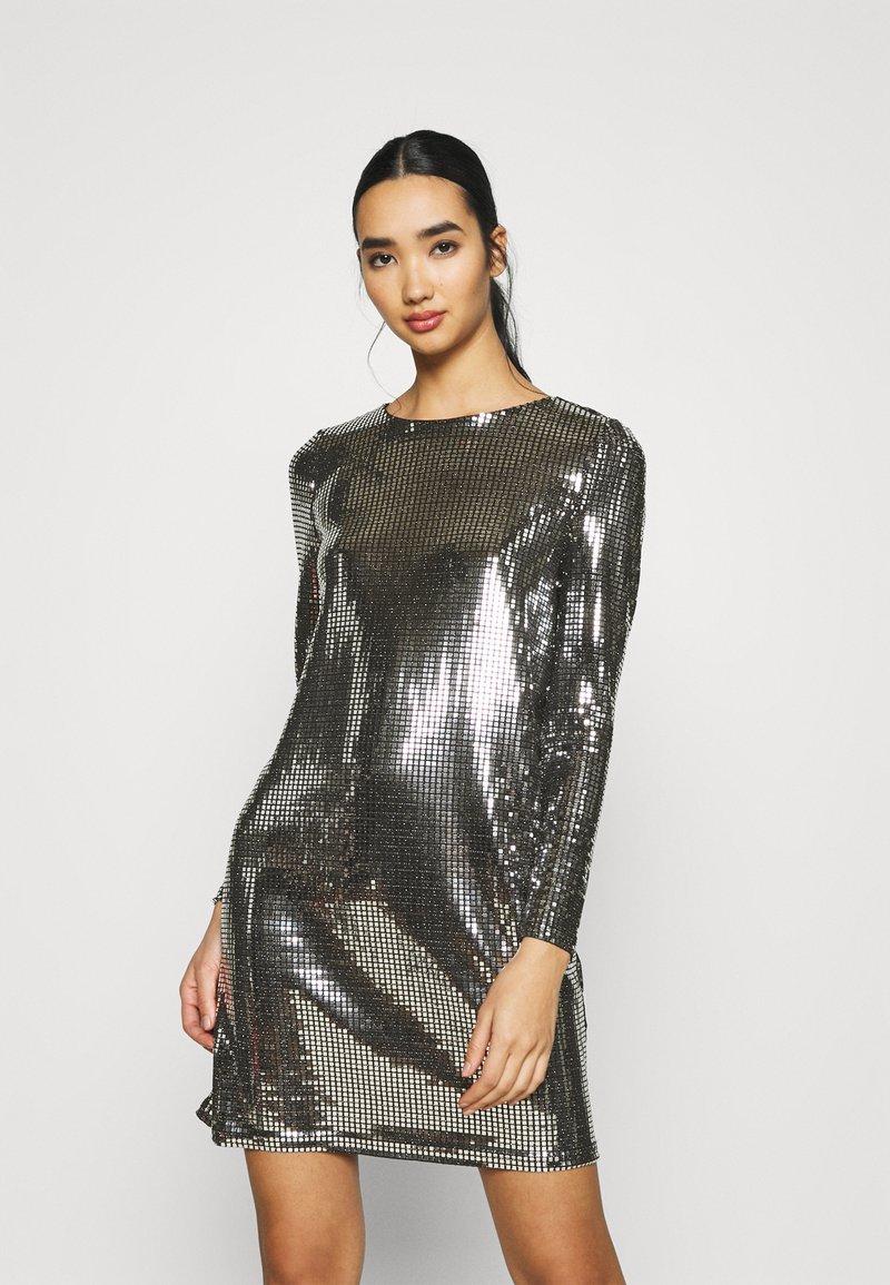 Vero Moda - VMCHARLI SHORT SEQUINS DRESS - Cocktail dress / Party dress - black/silver