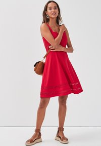 Cache Cache - MIT TRÄGERN - Day dress - rouge - 1