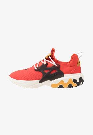 REACT PRESTO - Sneaker low - habanero red/black/wheat/sail