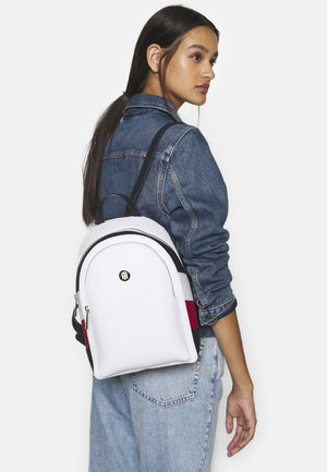 CORE BACKPACK CORP - Reppu - white