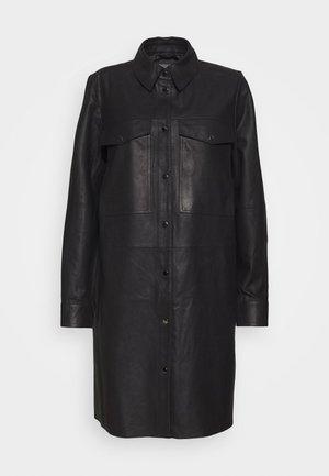 CUALINA - Vestido camisero - black