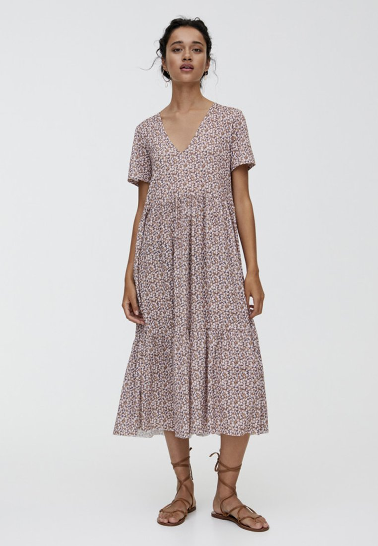 PULL&BEAR - MIT BLUMENPRINT - Maxi dress - brown