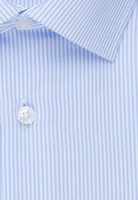 Seidensticker - REGULAR FIT - Shirt - light blue - 8