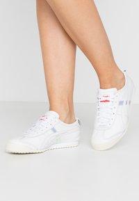 Onitsuka Tiger - MEXICO  - Sneakersy niskie - white/aurora - 0