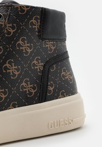 Guess - VERONA MID - High-top trainers - brown/oachra - 5
