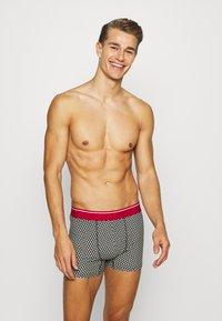 Burton Menswear London - MONO GEO TRUNKS 3 PACK - Panties - grey - 0