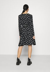Pieces - PCSILJY DRESS - Day dress - black - 2