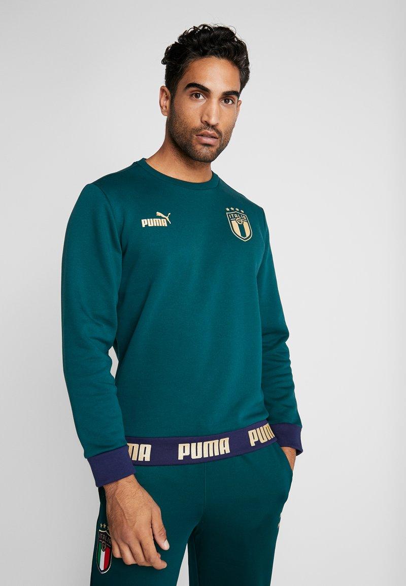 Puma - ITALIEN FIGC CULTURE CREW SWEATER - Sweater - ponderosa pine/gold