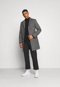 Burton Menswear London - Mantel - mid grey - 1