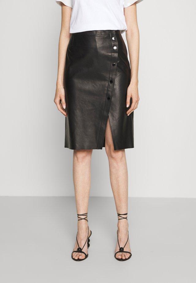 LUXURY SKIRT - Jupe en cuir - black