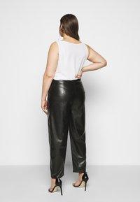 Even&Odd Curvy - Kalhoty - black - 2