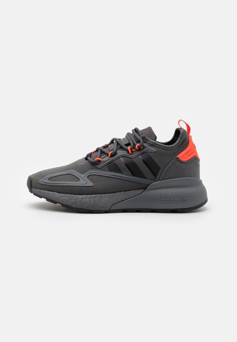 adidas Originals - ZX 2K BOOST UNISEX - Trainers - grey six/core black/solar red