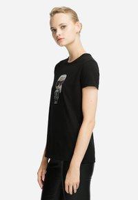 KARL LAGERFELD - IKONIK - T-shirt z nadrukiem - black - 3