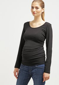 Zalando Essentials Maternity - Langærmede T-shirts - black - 0