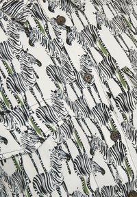 Soaked in Luxury - Top - zebra animal - 6