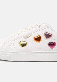 Benetton - LOVE MULTI  - Trainers - white/orange - 7