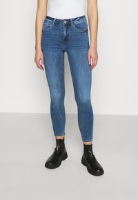 New Look - MIDRISE SUPERSOFT  - Jeans Skinny Fit - mid blue - 0