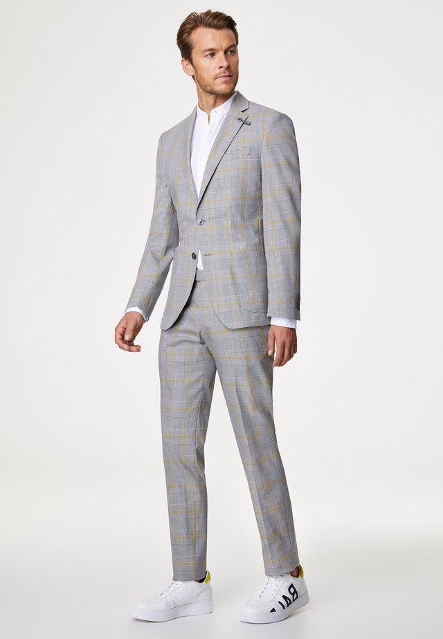 Suit - grau/gelb