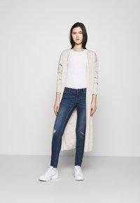 Noisy May - NMEVE BREAK  - Jeans Skinny Fit - medium blue denim - 1