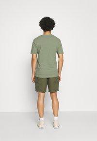 REVOLUTION - Shorts - army - 2