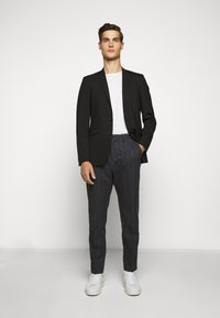 Tiger of Sweden - CONE - Trousers - outer blue - 1