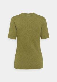 Marc O'Polo DENIM - MODERN - T-shirt basic - fresh herbs - 1
