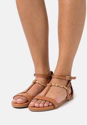 Sandály - nut