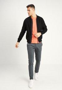 GANT - THE ORIGINAL - T-shirt - bas - coral orange - 1