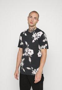 Religion - FLORAL TEE - T-shirt med print - wash black - 0