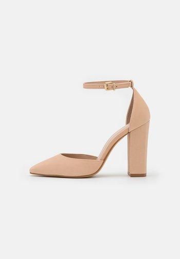 SUSAN - Classic heels - bone
