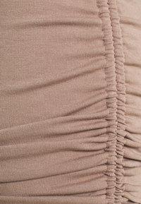 4th & Reckless - MEGAN DRESS - Vestido ligero - mocha - 6