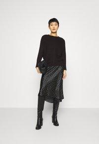 Abercrombie & Fitch - MIDI SKIRT - A-line skirt - black - 1