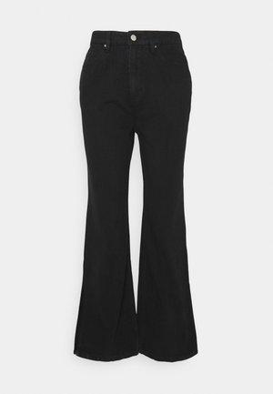 SPLIT SIDE JEAN - Flared Jeans - washed black