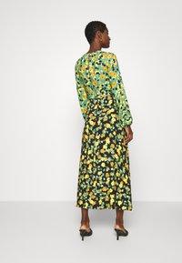 Closet - GATHERED NECK A LINE DRESS - Maxi dress - green - 2