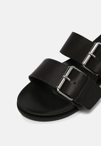 Vero Moda - VMAMY - Mules - black - 7