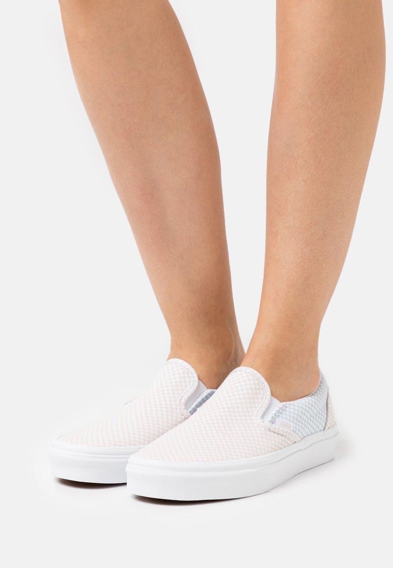 Vans - UA CLASSIC  - Slip-ons - misty blue/silver peony