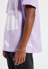 PULL&BEAR - Print T-shirt - purple - 7