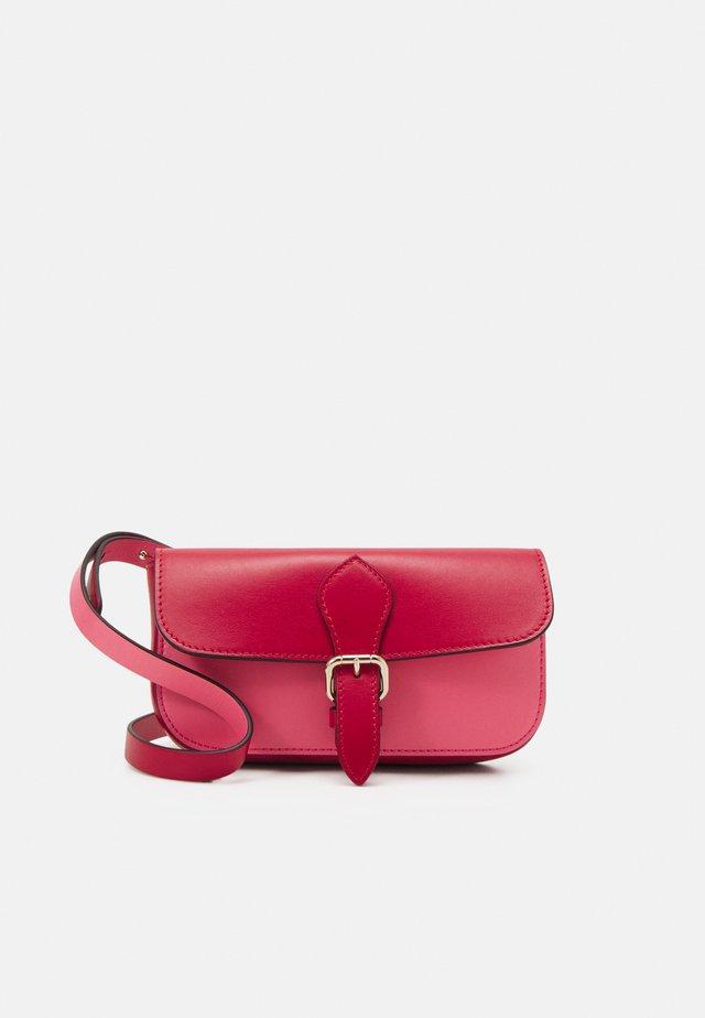 POUCH - Clutch - cherry/fancy pink