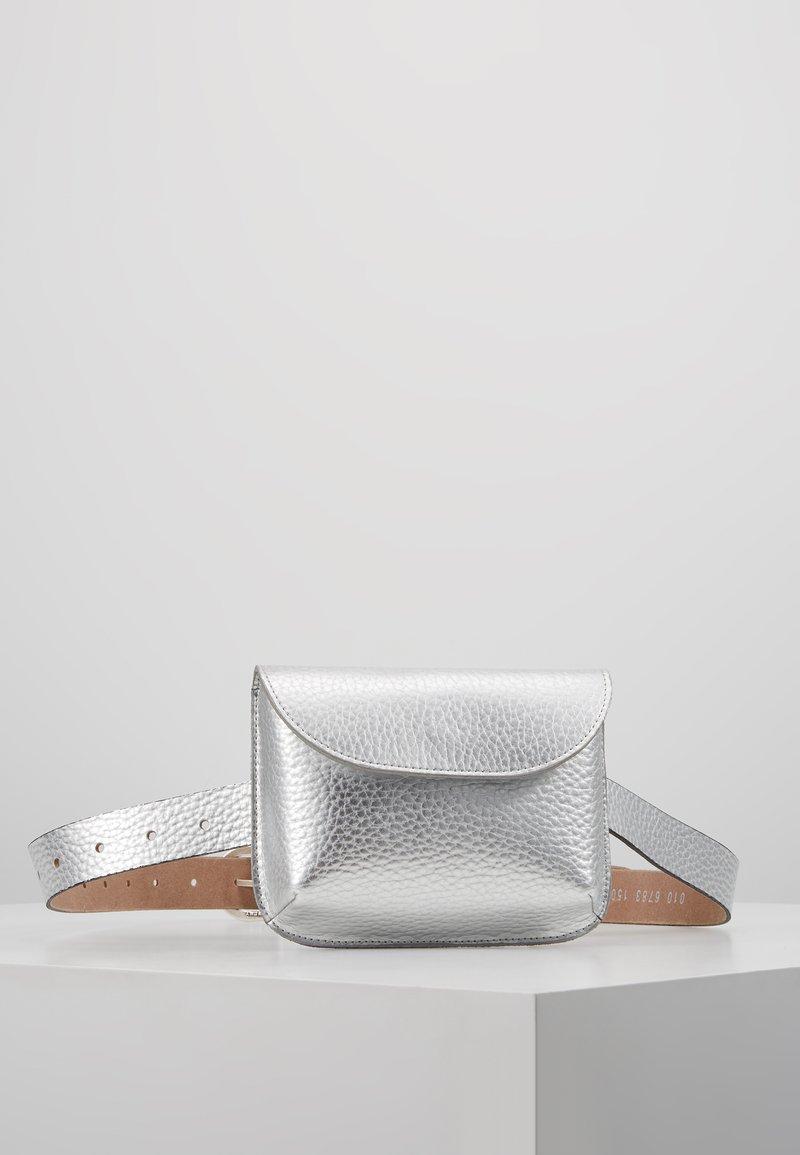 Vanzetti - Bum bag - silber