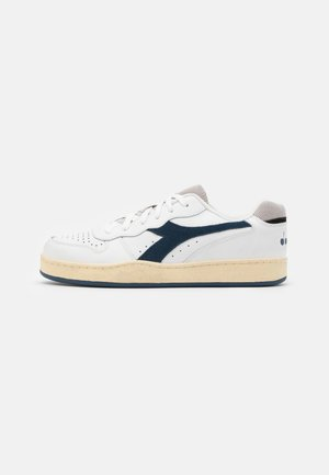 BASKET USED UNISEX - Sneaker low - white/blue dark denim
