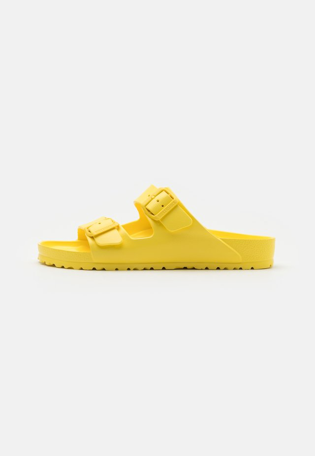 ARIZONA - Sandali da bagno - vibrant yellow