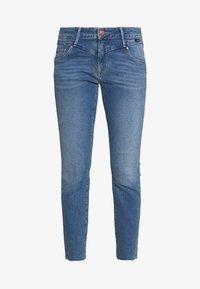 Mavi - ADRIANA ANKLE - Jeans Skinny Fit - mid frayed denim - 4