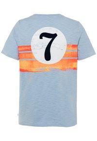 GAP - BOY FRONT BACK TEE - Camiseta estampada - light blue shadow - 1