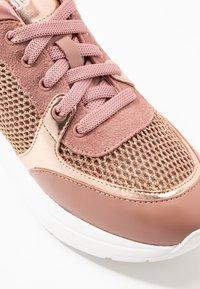 Liu Jo Jeans - KARLIE  - Trainers - pink/salt - 2