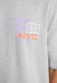 Topman - NEW YORK  - Print T-shirt - grey - 3