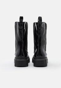 Mis Pepas - PICK UP - Platåstøvletter - black - 3