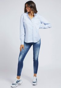 Guess - POPELINE - Button-down blouse - mehrfarbig/weiß - 1