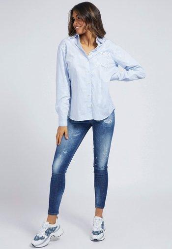 POPELINE - Button-down blouse - mehrfarbig/weiß
