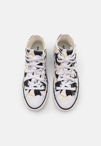 Converse - CHUCK TAYLOR ALL STAR JUNGLE FUN UNISEX - Sneakers hoog - white/black/yellow - 3