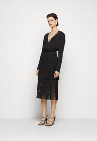 Hervé Léger - Pencil skirt - black - 1